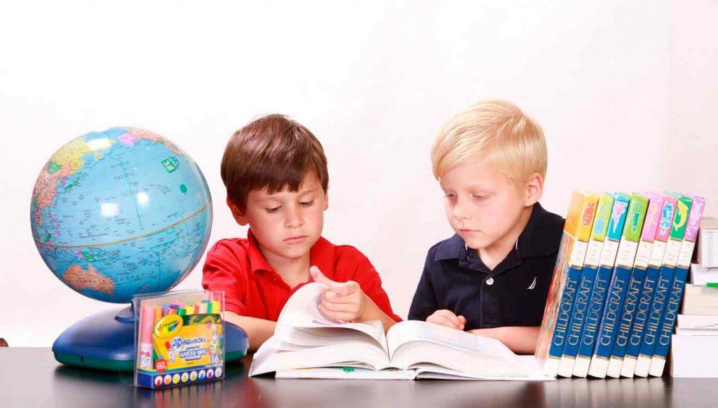 Стол письменный для двоих школьников