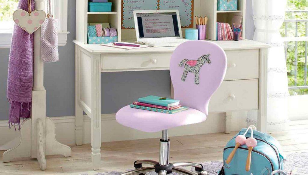 Стол письменный для школьницы