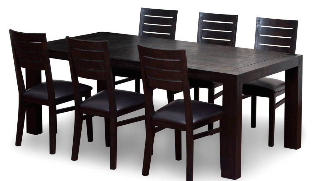 Черный обеденный стол деревянный