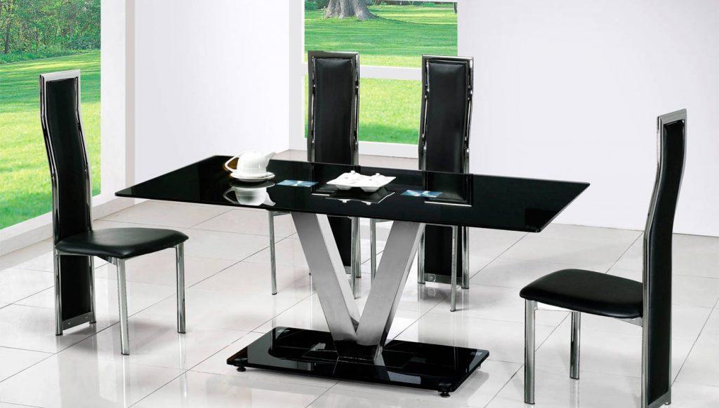 Черный обеденный стол модерн