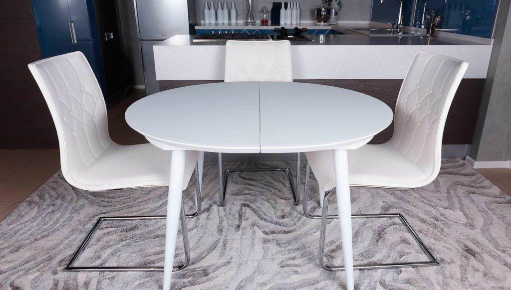 Стол обеденный в стиле модерн