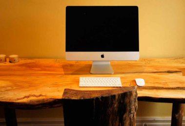 Стол компьютерный из массива дерева